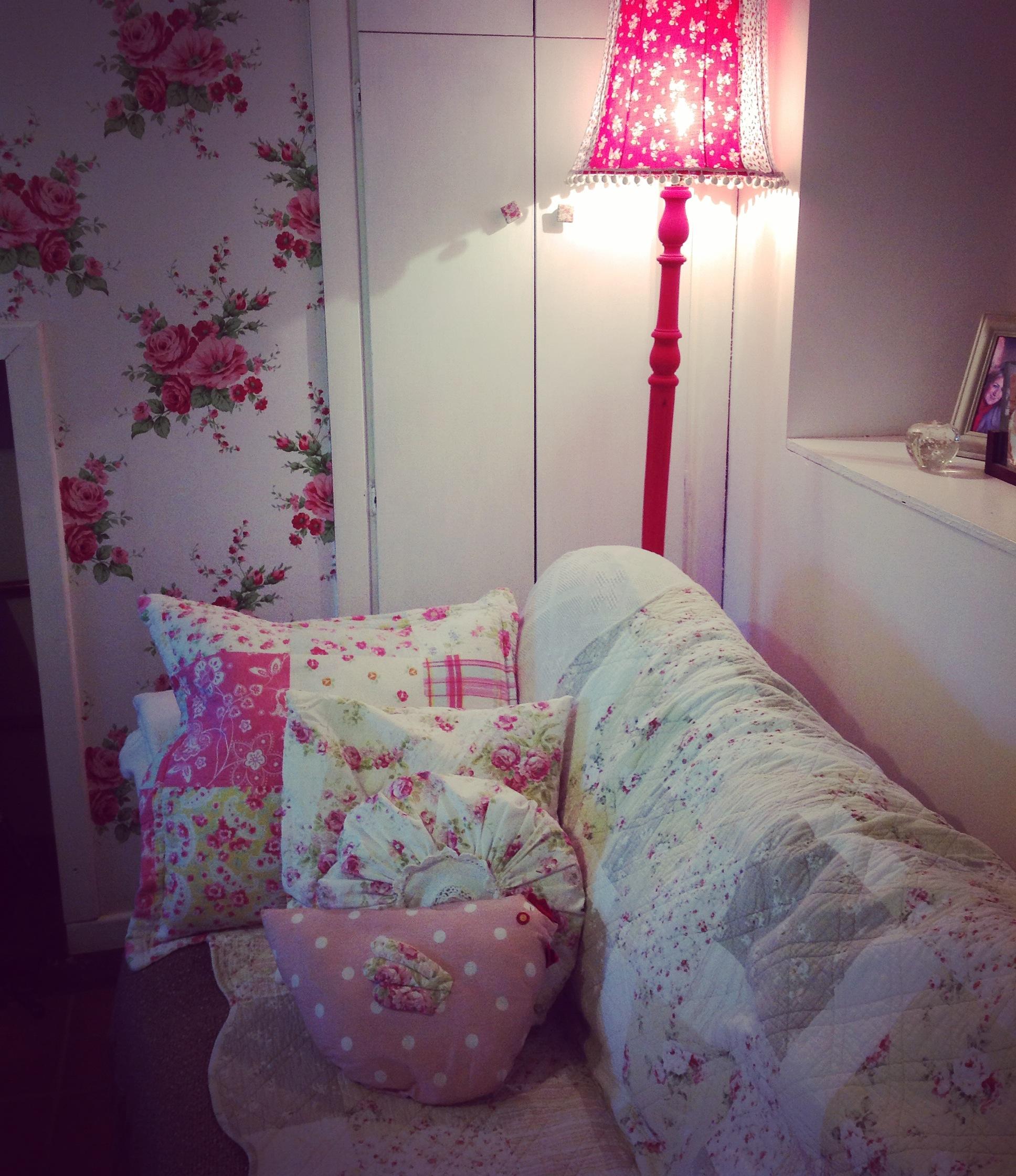 mmt comfy sofa