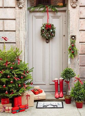 christmas gre front door