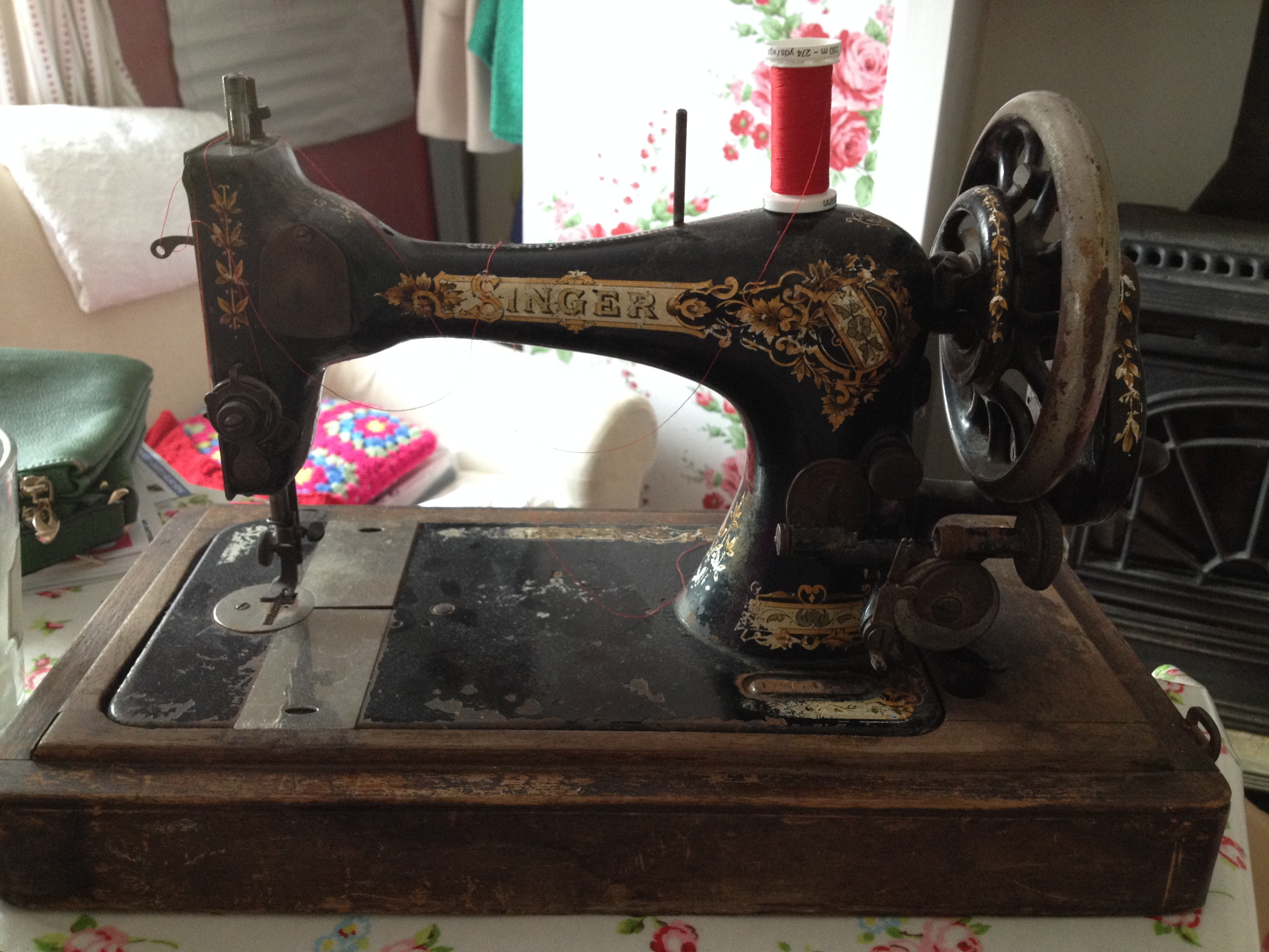 Identifying your old Sewing Machine